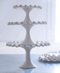 Ruffle Ceramic Cake stand - M - Made by Potluck